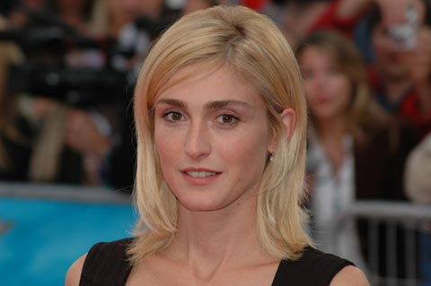 Julie Gayet (source: Mireille Ampilhac)