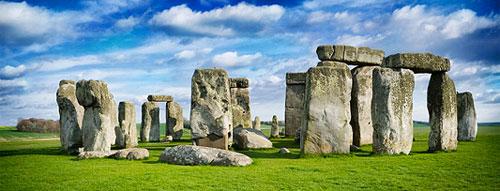 Stonehenge, England. {Source: Mactographer, Wikipedia}